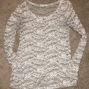 🌹Maurices Stunning rosette lace longsleeve top🌹